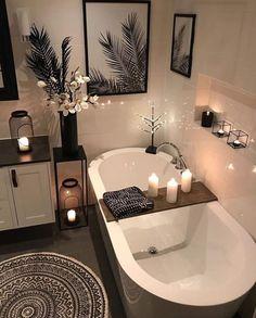 Badezimmer-Dekor: Wenn Sie es leid sind, in Ihr veraltetes Bade . - Sabina Trinkle Bathroom Decor: If youre weary of walking into your outdated bathr. Badezimmer-Dekor: Wenn Sie es leid sind, in I Relaxing Bathroom, Bathroom Kids, Diy Bathroom Decor, Bathroom Interior Design, Small Bathroom, Bathroom Remodeling, Remodeling Ideas, Master Bathroom, Bathroom Goals
