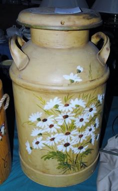 Hand Painted Milk Can Antique Milk Can, Vintage Milk Can, Paint Buckets, Paint Cans, Metal Flowers, Vintage Flowers, Milk Can Decor, Painted Milk Cans, Old Milk Cans