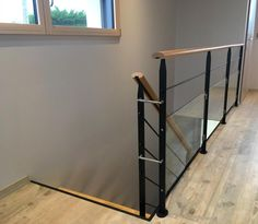 Garde-corps INTÉRIEURS - Page 6/9 Staircase Handrail, Stairs, Mezzanine Bedroom, Interior Railings, Stair Gate, Metal Homes, Home Projects, Bar Stools, Entryway Tables