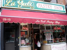 The cannoli at Italian bakery La Guli are some of the best in NYC.   29-15 Ditmars, close to 31st St and the final stop of the N subway #Ditmars #Astoria #Queens