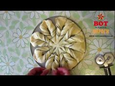 Nutellablume. Video das zeigt wie man so eine coole Blume backt... muss das nächstes Mal ausprobieren wenn ich Hefeschnecken machen will.