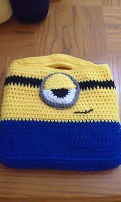 Minion Inspired Bag - free crochet pattern by Andrea Muskett.