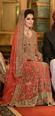 Pakistani Bride And Groom. Pakistani Wedding Dresses, Pakistani Outfits, Indian Dresses, Pakistani Lehenga, Pakistani Couture, Indiana, Pakistan Bride, Walima Dress, Asian Wedding Dress