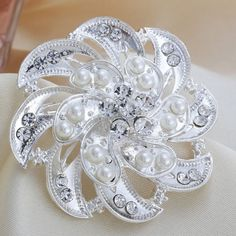 Fashion New Silver Pearl Rhinestone Flower Wedding Brooch