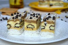 Prajitura Mariam | MiremircMiremirc Kiwi, Coco, Waffles, Cake Recipes, Cheesecake, Good Food, Food And Drink, Pudding, Sweets