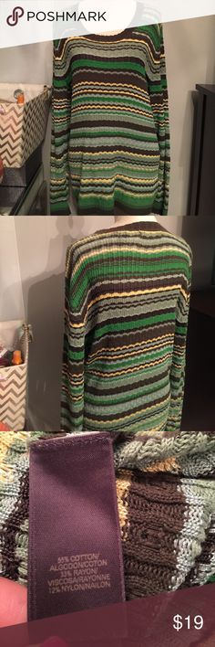 🆕Liz Claiborne lightweight sweater Like new! See pic for material composition. Liz Claiborne Sweaters Crew & Scoop Necks