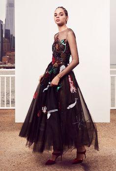 Oscar de la Renta Pre-Fall 2018 Fashion Show Collection