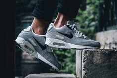 huge selection of a1b3a 57ccc Nike Air Max 90 PRM