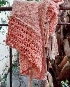 """60 Me gusta, 3 comentarios - Telar De Campo (@telardecampo) en Instagram: """" #ponchito #telar #crochet #hilo"""""""