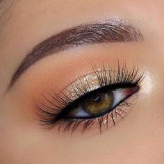 light glam eye makeup – Beauty Make up Styles Shimmer Eye Makeup, Natural Eye Makeup, Smokey Eye Makeup, Eyeshadow Makeup, Natural Lashes, Eye Makeup For Hazel Eyes, Natural Makeup For Teens, Light Eye Makeup, Makeup Brushes