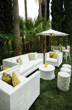 Modern wedding lounges can completely transform a reception from ordinary to fabulous by creating an intimate place where guests can relax. Check out this gallery of chic lounges inspiration.