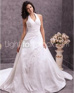 Just as pregnant brides should put on maternity wedding dresses, every bride also ought to pick out their own special and fitted wedding dresses. Here is the V-neck Chapel Train A-line Wedding Dresses With Appliques Beading right for you. Strapless gown with sweetheart pleated asymmetrical bodice,
