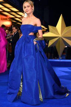 Brie Larson In Valentino Haute Couture -'Captain Marvel' London Premiere Brie Larson, Captain Marvel, Red Carpet Dresses, Blue Dresses, Valentino Gowns, Marvel Women, Red Carpet Looks, Gray Carpet, Carpet Colors