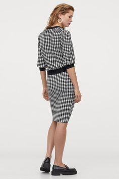 Kirjoneulehame - Musta/Kukonaskelkuvio - NAISET | H&M FI 3 Hm Outfits, Knit Skirt, Neue Trends, Peplum Dress, Dresses For Work, Knitting, Skirts, Model, Composition