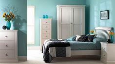O turquesa é uma cor que evoca o mar, por isso, traz uma sensação de tranquilidade e refrescância à decoração da casa.