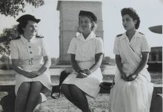 Junior Officers of Women's Royal Indian Naval Service Royal Indian, Indian Navy, Female Soldier, Girls Uniforms, American War, Royal Navy, Women In History, 1950s Fashion, World War Two