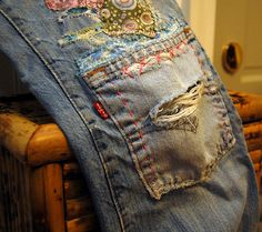 I love this idea for knee patches.Years ago, I had a bunch of pockets from old Levis that I sewed onto the bottom of a skirt I made. The skirt eventually went to the Good Will. I will have to begin a new project.