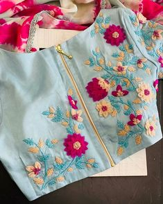 Cutwork Blouse Designs, Simple Blouse Designs, Stylish Blouse Design, Blouse Neck Designs, Blouse Patterns, Embroidery Suits Design, Hand Embroidery Designs, Hand Work Blouse Design, Saree Blouse
