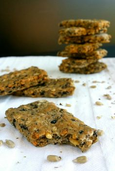 Biscuits apéro aux olives, aux graines de tournesol et à l'origan                                                                                                                                                                                 Plus