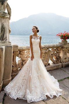 Milla Nova Bridal Wedding Dresses 2017 amalia / http://www.himisspuff.com/milla-nova-bridal-2017-wedding-dresses/12/