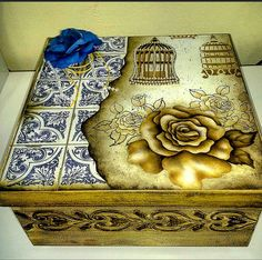 Amazing DIY Decorative Boxes Ideas you will love for sure Decoupage Vintage, Decoupage Box, Cigar Box Art, Cigar Box Crafts, Wooden Jewelry Boxes, Jewellery Boxes, Altered Cigar Boxes, Arte Country, Decoupage Furniture
