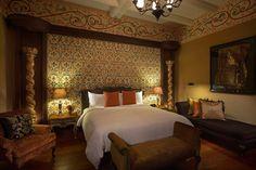 Nuestros #ProyectosEspeciales te harán sentir como el/la #rey/ #reina que eres. #artesania #hotel #descanso