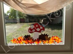 Autumn Decorating, Fall Decor, Baby Crafts, Crafts For Kids, September Crafts, Autumn Display, Decoration, Projects To Try, Windows