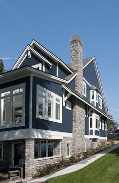 Unique Home Exterior with Stone Ideas. The building exterior is the most important part of a building. The majority of the exterior of the building functioned as a decorative building. Exterior Paint Colors For House, Paint Colors For Home, Exterior Colors, Exterior Design, Stone Exterior, Paint Colours, Stone Siding, Modern Exterior, Rustic Exterior
