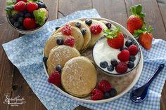 Baking Recipes, Snack Recipes, Dessert Recipes, Low Calorie Breakfast, Breakfast Recipes, Breakfast Basket, Love Eat, Mini Desserts, Sweet Recipes