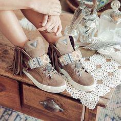 ••>>SNEAKER LAKOTA<<•• In Love with our Sneakers!!! Que ganas teníamos de enseñaros! Hay muchos más modelos en www.layerboots.com/shop ✌️ @layerboots