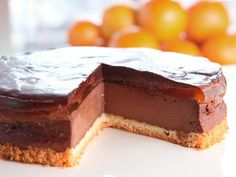 Jaffa Cake Cheesecake Recipe A light chocolate cheesecake with an orange jelly layer and smooth chocolate topping http://www.channel4.com/programmes/sunday-brunch/articles/all/jaffa-cake-cheesecake-recipe/1508