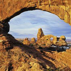 Explore Utah's stunninglandscape via bike, foot, or jeep