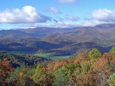 Another vista in Franklin, NC. No matter where you go around Western North Carolina, views like this are easy to find.