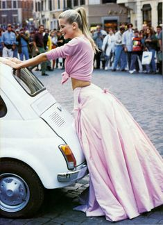 Roman Holiday ~ Claudia Schiffer, Vogue, Dec 1994