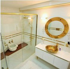 Bachelorette Pad, Present Day, Corner Bathtub, Decoration, Home Accessories, Living Spaces, Old Things, Mirror, Furniture