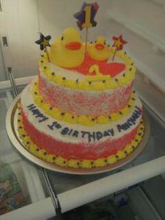 themes ducky cake