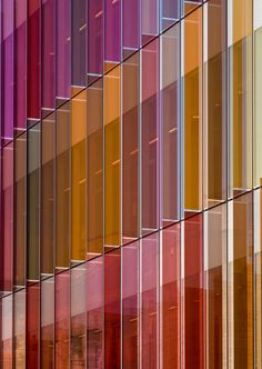 acrilic colors ;-)__Oxford, United Kingdom New Biochemistry building. University of Oxford HAWKINS\BROWN