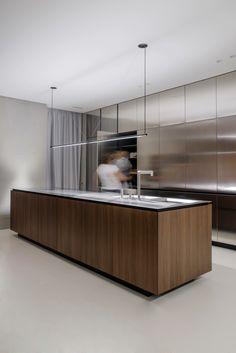 Exceptional modern kitchen room are offered on our internet site. Modern Kitchen Design, Interior Design Kitchen, Home Design, Interior Modern, Design Ideas, Casa Kardashian, Modern Farmhouse Kitchens, Minimalist Kitchen, Luxury Kitchens