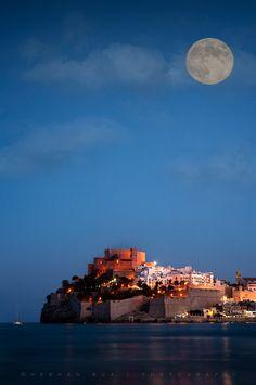El castillo y la luna. Peñíscola #Castellón
