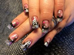 Airbrush Nailart with cute Skull and glitter... My own nails