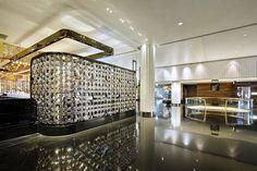 Lasvit Crystal Wall by Koncern Design Studio - Crown Casino Melbourne LCW - Atrium Bar
