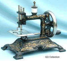 ❤✄◡ً✄❤ The Muller 15 is one of this manufacturer's prettiest cast iron models. The machine forms a single-thread chain stitch, and was produced in considerable numbers during the first quarter of the 20th Century.   - http://www.dincum.com/library/libraryimages/lib_muller15.JPG