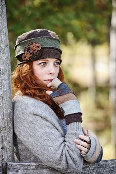 Free and Super Crochet Hats and Beanie Pattern ideas Part 26 ; knitting hats for beginners; Sweater Hat, Old Sweater, Sombrero A Crochet, Fleece Hats, Wool Hats, Recycled Sweaters, Country Fashion, Love Hat, Cute Hats