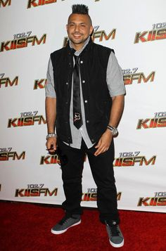 Sean Paul, Men Closet, Music Station, Celebs, Celebrities, Music Artists, Beautiful People, First Love, How To Look Better