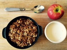 Healthiest Apple Crumble of all times. Keep your waistline and enjoy this scrumptious treat!