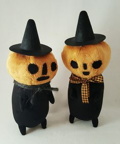 "thebeastpeddler: "" Benny & Timmy the pumpkin kids are in the shop tonight! They're ready for year-round trick or treating, building blanket forts and catching toads behind the. Vintage Halloween, Halloween Diy, Halloween Diorama, Softies, Plushies, Diy And Crafts, Arts And Crafts, Kawaii Plush, Plush Pattern"