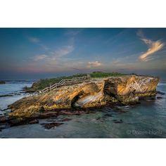 Middle Island from a different perspective.  #Warrnambool #destinationwarrnambool #visit12apostles #greatsouthcoast #liveinvic #perfocal #Australia #australiagram #ICU_sunset #escapeandexplore #admireaustralia #seeaustralia #greatoceanroad #seegor #picoftheday #igdaily #instadaily #exploreaustralia #epic_captures #ig_sharepoint #sunset_hub #sunset_vision #amazing_australia #dream_image #oddball by mtberharry