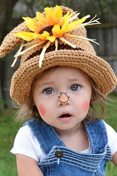 Toddler Scarecrow Costume, Halloween Costumes Scarecrow, Scarecrow Hat, Feliz Halloween, Theme Halloween, Toddler Costumes, Halloween Costumes For Girls, Baby Costumes, Mexican Halloween