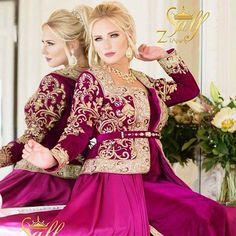 Image associée Traditional Fashion, Traditional Dresses, Most Beautiful Dresses, Nice Dresses, Arabic Dress, Church Fashion, Couture, Kaftan, Hijab Fashion