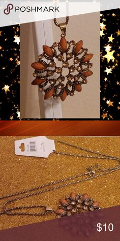 "Amber Rhinestone Flower Pendant Necklace BNWT Amber marble stone n rhinestone flower pendant necklace  Chunky fashion jewelry 32"" long chain Boho hippie necklace  Price is firm 💯Brand new High quality💯 💯What u see is what u get💯 ➕10 off 2 or more➕ ❤Please check out my closet❤ ⛔All prices have Been reduced⛔ ✔Buy with confidence ⭐⭐⭐⭐⭐ Top Rated Seller ⚡next day shipping ❤Trying to raise money 4 my family thank u all 4 every share like n purchase❤ Jewelry Necklaces"